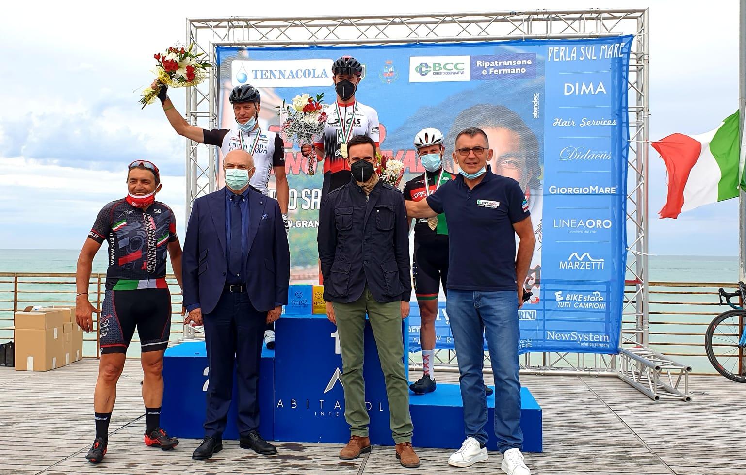 Podio Uomini della Gran Fondo Città di Porto Sant'Elpidio 2021 El Diablo Cycling Festival con Fedele D'Andrea e Marcucci